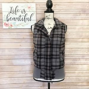 Roxy Gray, Black, & Pink Plaid Zip Vest Small
